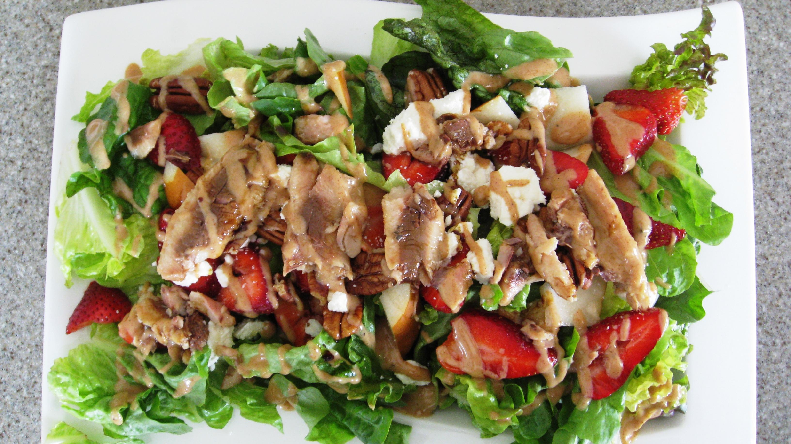 Sardine pear strawberry salad nutty kitchen for Sardine lunch ideas